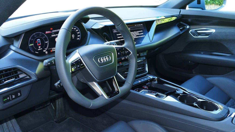 Puesto de conducción casi idéntico al de un A7 o un Q7