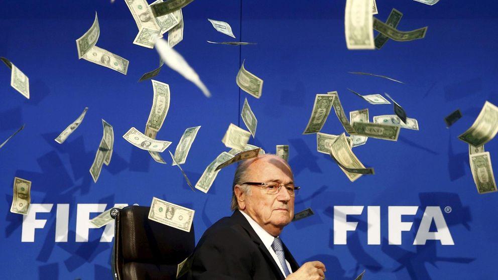 Blatter valora posibles sanciones: que la FIFA le condene a dos años o de por vida