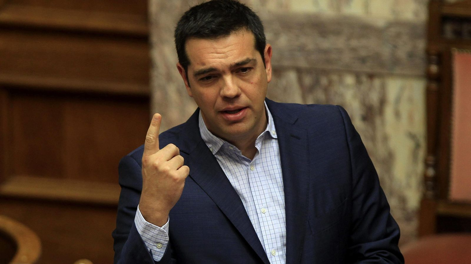 Foto: El primer ministro griego, Alexis Tsipras, interviene en el Parlamento griego. (Efe)