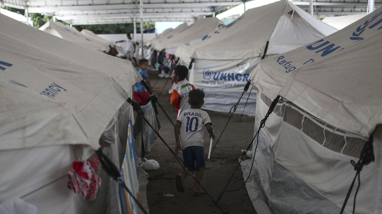 Niños juegan en el refugio de inmigrantes venezolanos Nova Canaa en Boa Vista, Roraima, Brasil. (EFE)