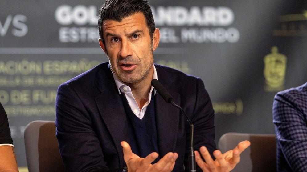 Foto: Luis Figo, durante la presentación del partido de leyendas entre la selección española contra un equipo de estrellas del mundo. (Efe)