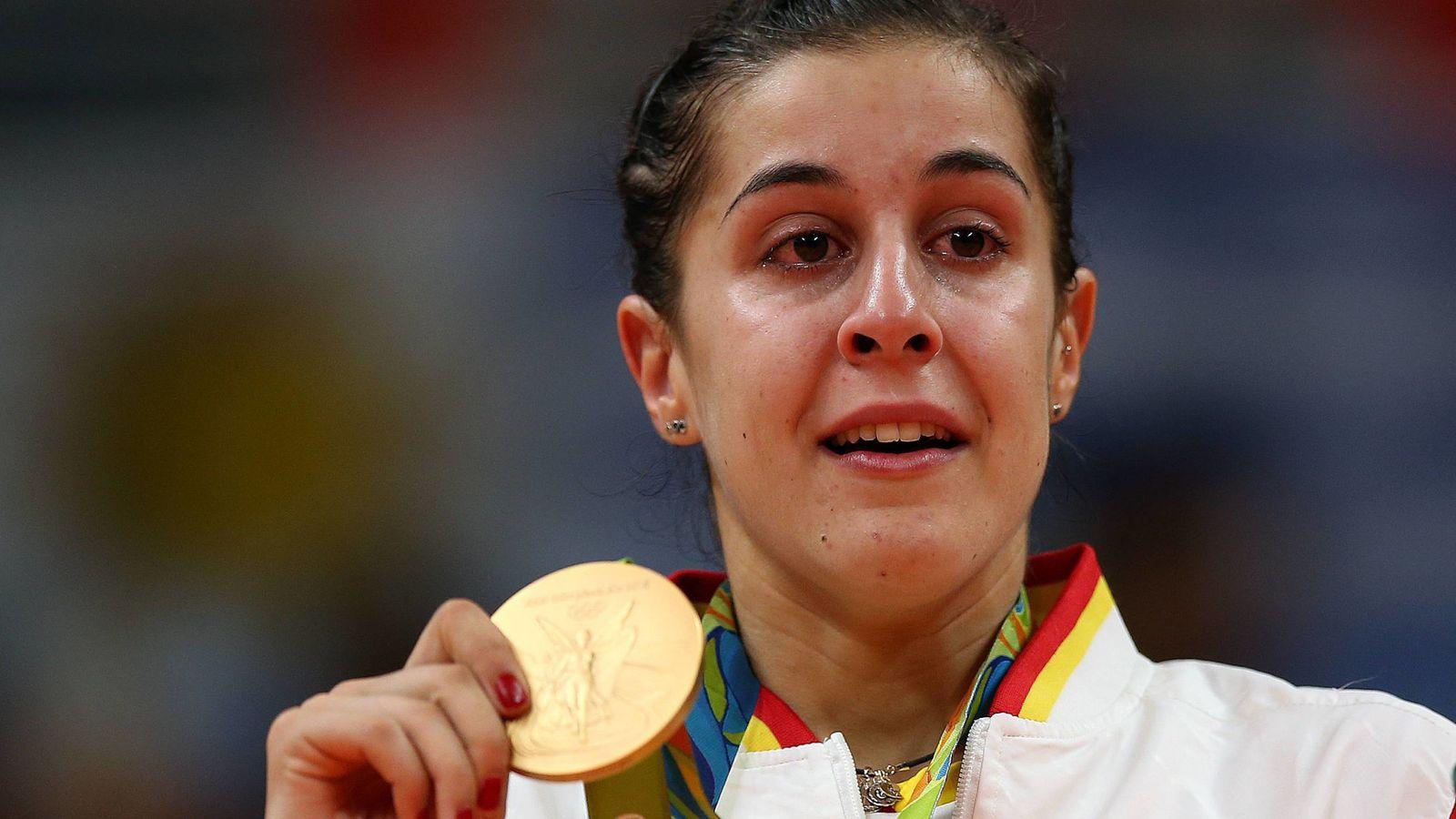 Foto: La española Carolina Marín celebra el oro tras vencer a la india Sindhu Pusarla (EFE)
