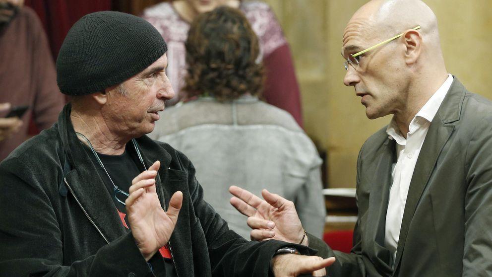Lluís Llach (JxSí) y Esperanza García (PP) se equivocan al votar la resolución