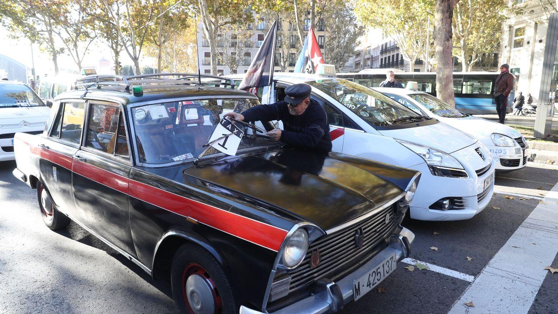 El PP, un Gobierno al servicio de los 'lobbies' del taxi y de las VTC