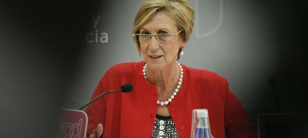 Foto: La líder de UPyD, Rosa Díez, durante la comparecencia ante los medios para valorar los resultados de las elecciones europeas. (EFE)