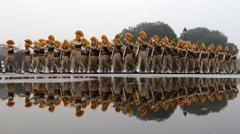 Ensayo para el desfile del Día de la República en nueva delhi