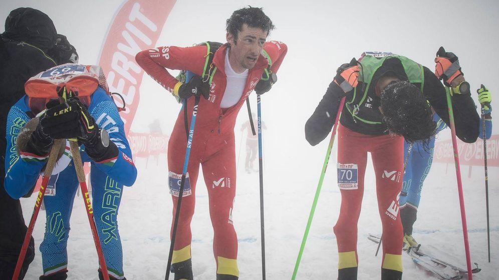 Foto: Kilian Jornet (c) instantes después de proclamarse campeón de Europa de esquí de montaña en modalidad vertical. (ISMF)