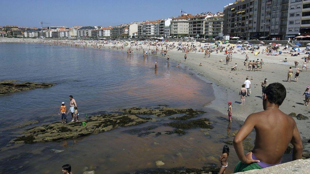Foto: Vista del playa de Silgar, en Sanxenxo. (EFE)