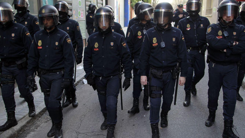 Foto: Un grupo de antidisturbios en las calles de Barcelona.