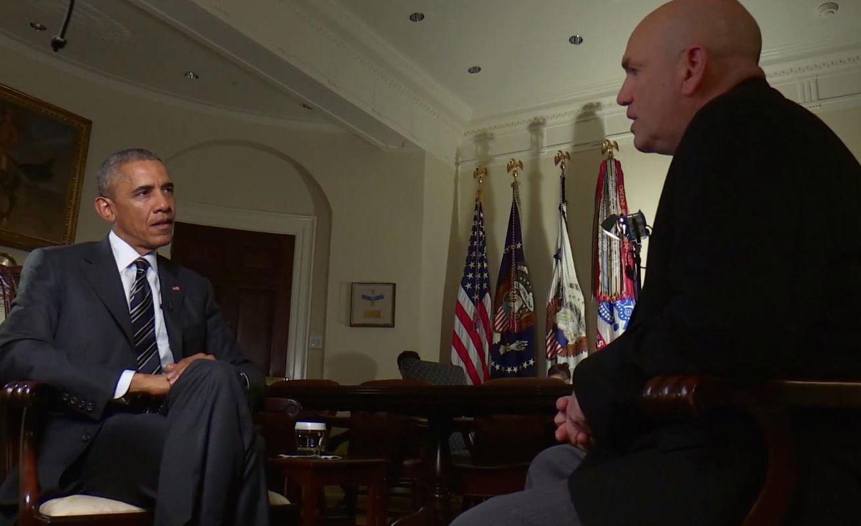 Foto: Barack Obama y David Simon (White House)