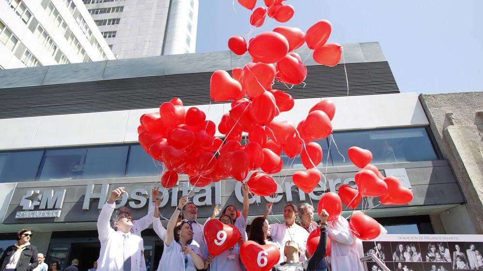Foto: La Paz lanza 596 globos para homenajear a sus donantes de órganos y tejidos. (EFE)