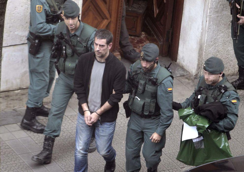Foto: Detención de uno de los abogados que presuntamente formaba parte del entramado de ETA el pasado enero (EFE).