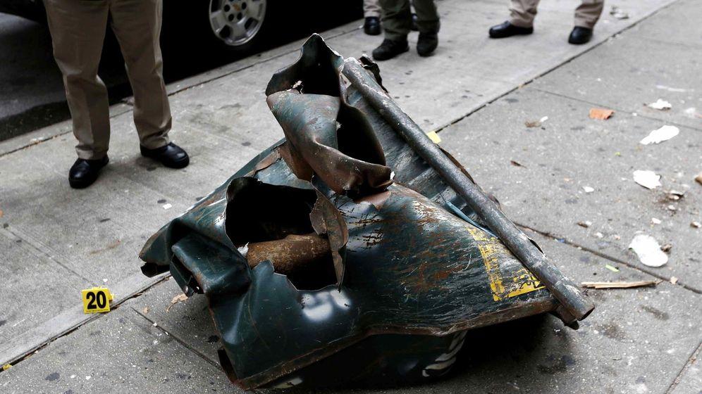 Foto: Un contenedor retorcido en el lugar de la explosión este sábado en el barrio neoyorquino de Chelsea. (Reuters)
