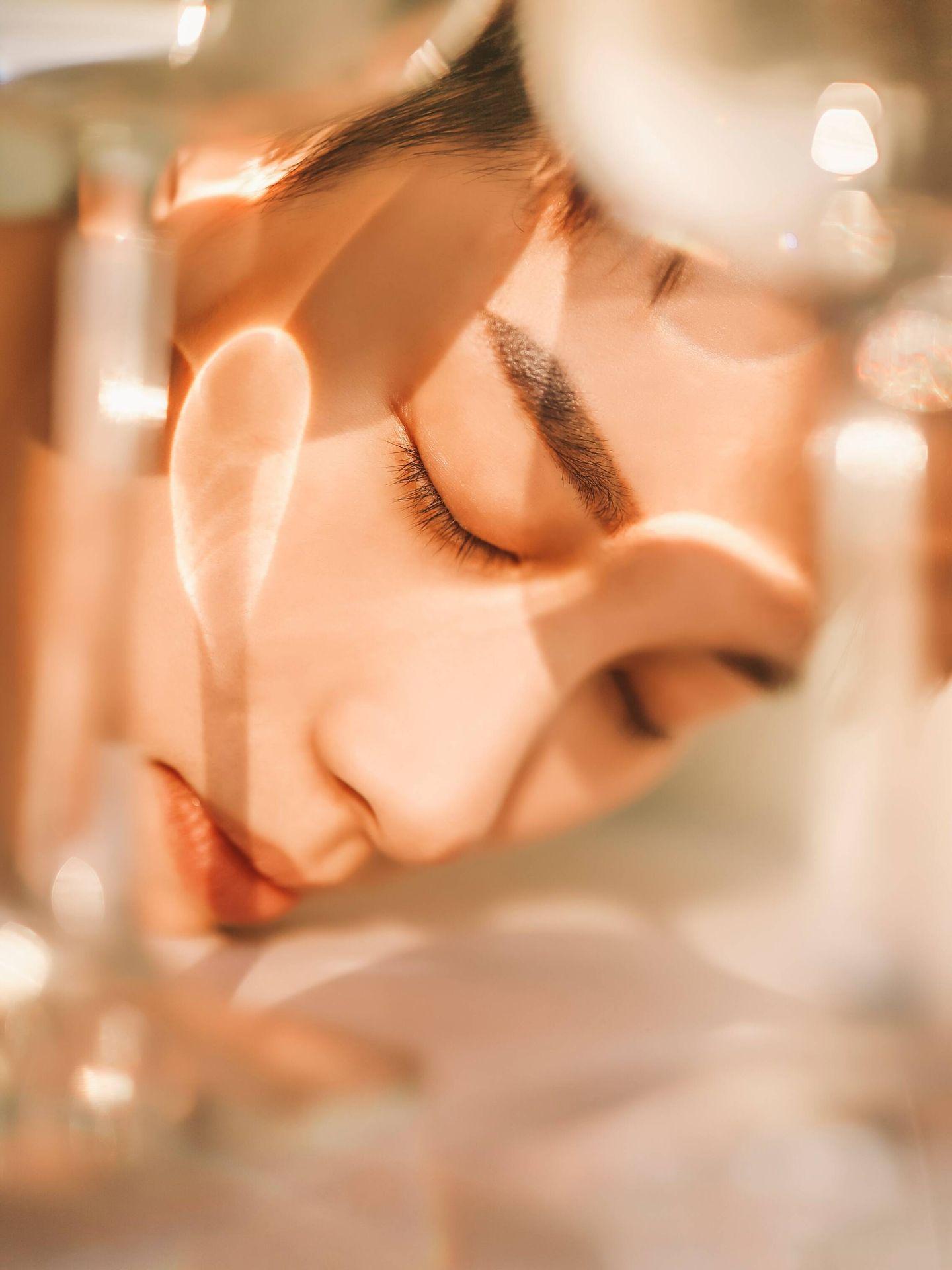 En Asia, la limpieza facial es una prioridad. (Sunny Ng para Unsplash)