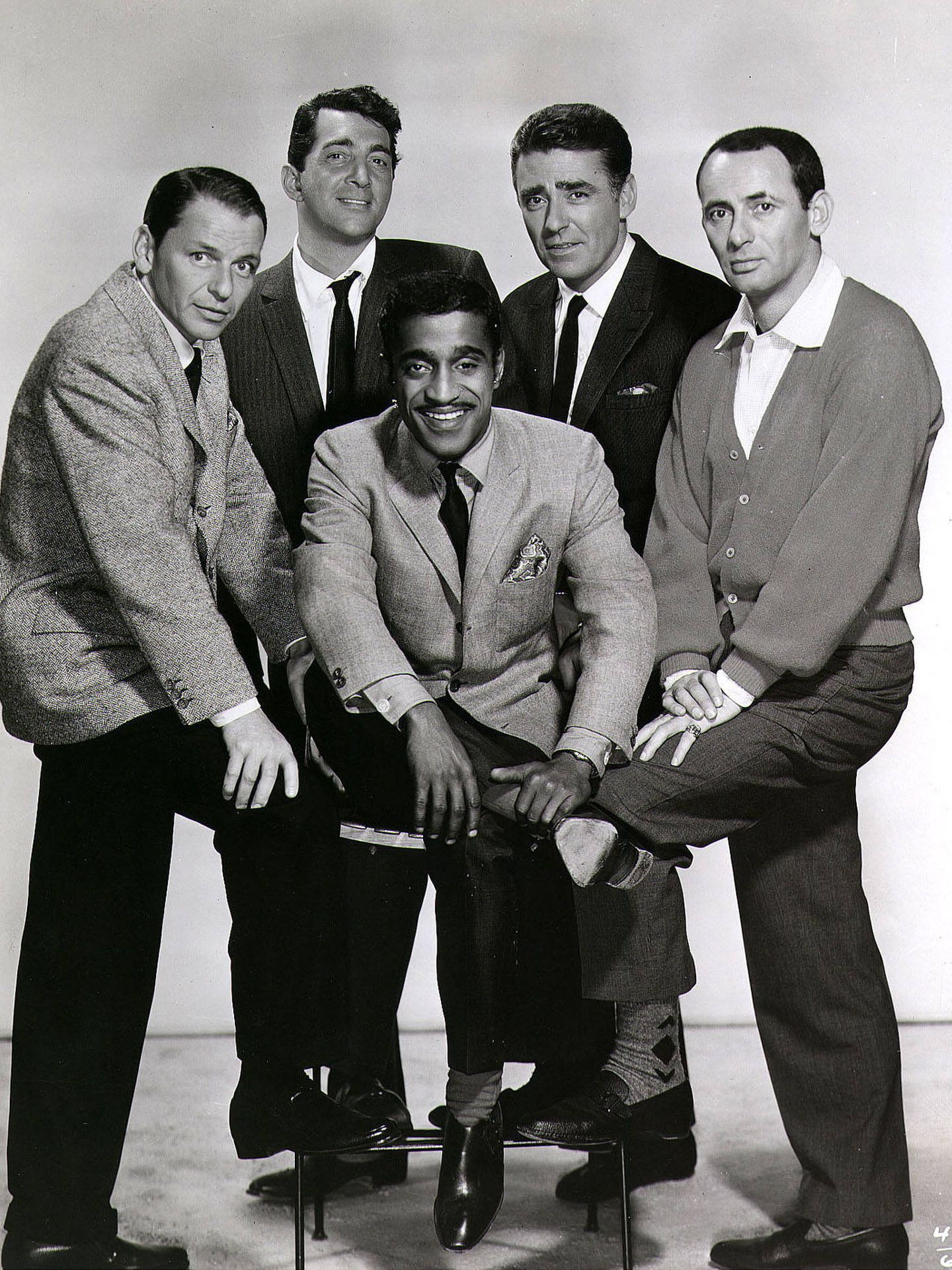 Frank Sinatra, Dean Martin, Sammy Davis Jr, Peter Lawford y Joey Bishop: el Rat Pack. (Getty)