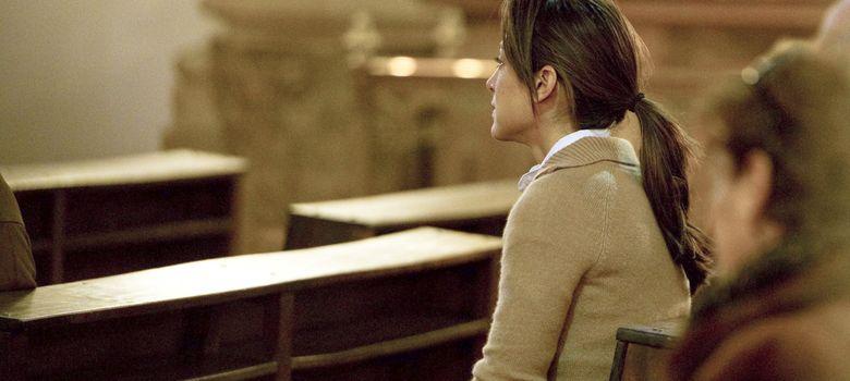 Foto: Tamara Falcó rezando en una iglesia de Madrid, en una imagen de archivo (I.C.)