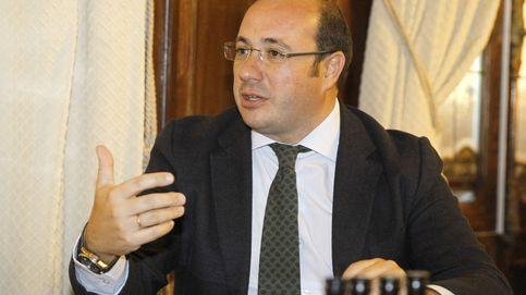 El juez pide que se investigue al presidente de Murcia por cuatro presuntos delitos