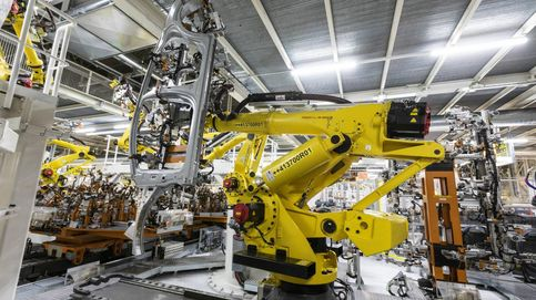 SEAT estrena dos robots forzudos que levantan 400 kilos a cuatro metros