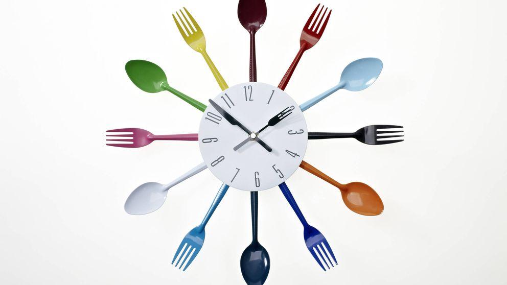 Cómo afecta a tu cuerpo la hora a la que comes: por la mañana es mejor