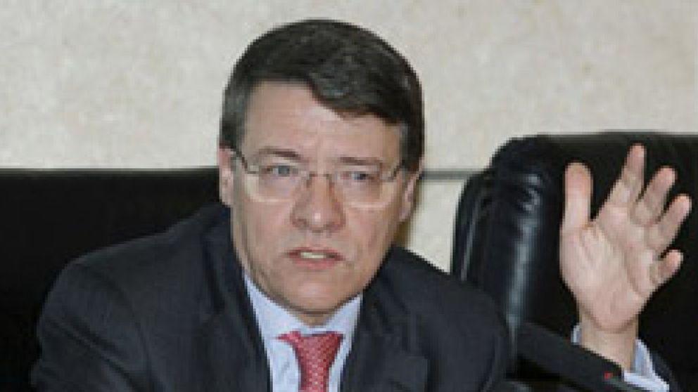 Jordi Sevilla apuesta por recortar el déficit público, reactivar el crédito y bajar cotizaciones sociales