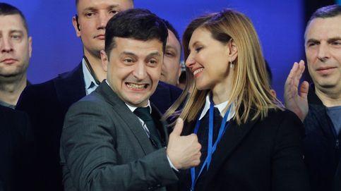 Lengua y pasaportes rusos: los primeros retos del cómico convertido en presidente