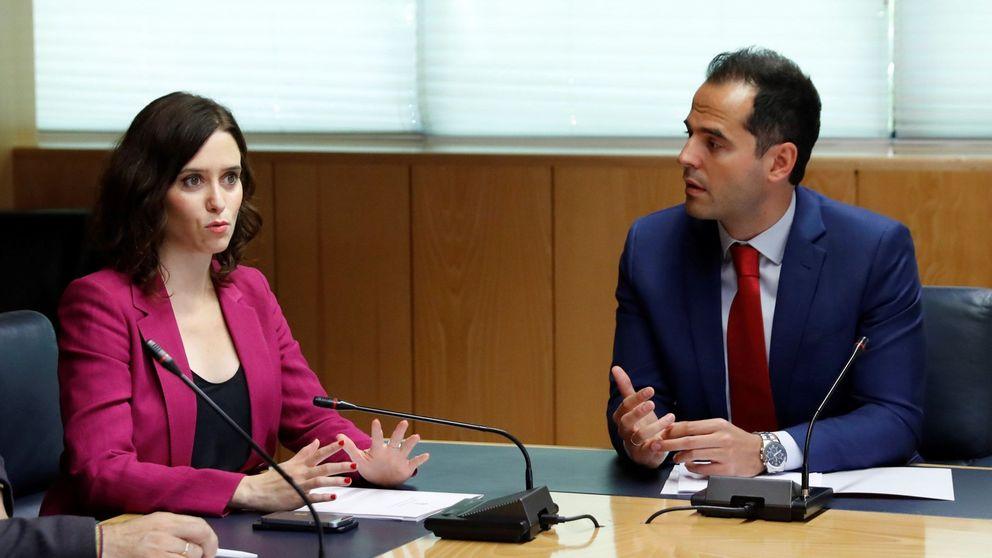 PP y Cs firman un acuerdo en la Comunidad de Madrid y Vox lo califica de vergonzoso