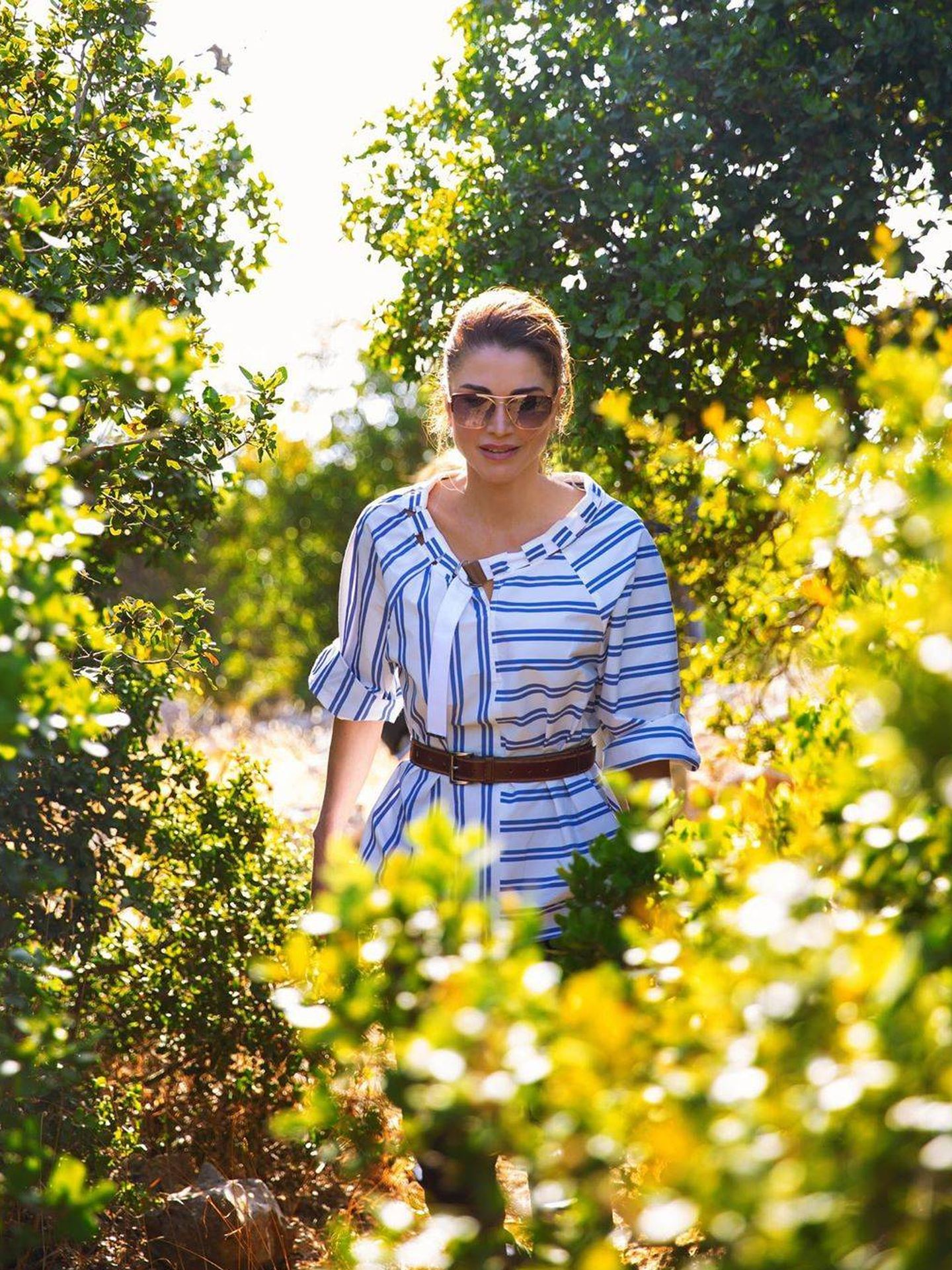 Rania de Jordania y su nueva blusa. (Instagram @queenrania)