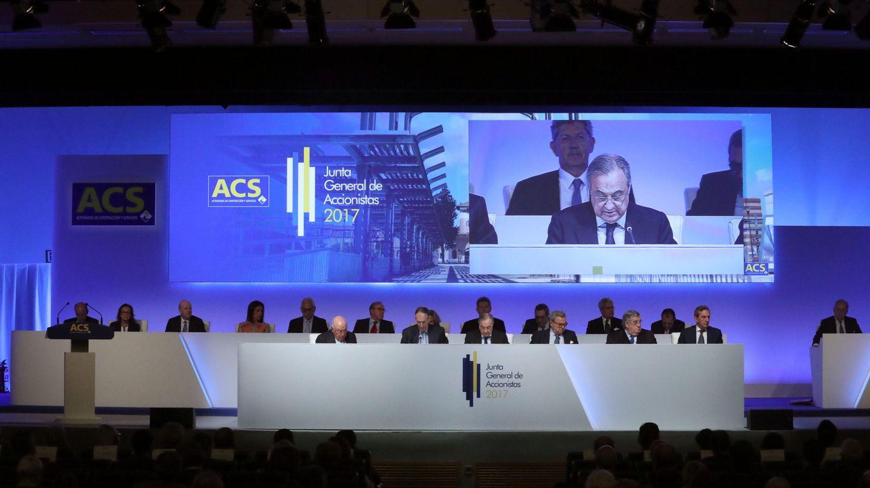 El presidente de ACS, Florentino Pérez, interviene en la junta de accionistas de la compañía. (EFE)
