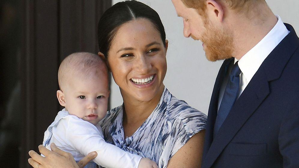Foto: Harry, Meghan y Archie, en una imagen de archivo. (EFE)