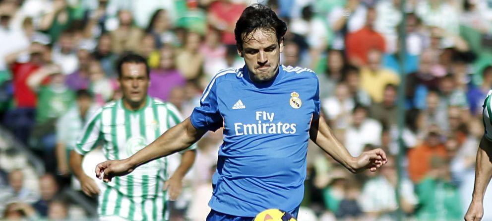 a58979fa0 Foto  Morientes defendiendo la camiseta del Real Madrid Leyendas.