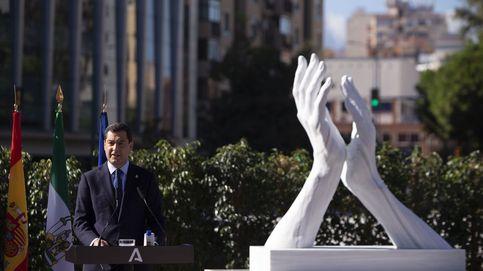 Inauguración en Málaga de una escultura homenaje a los sanitarios