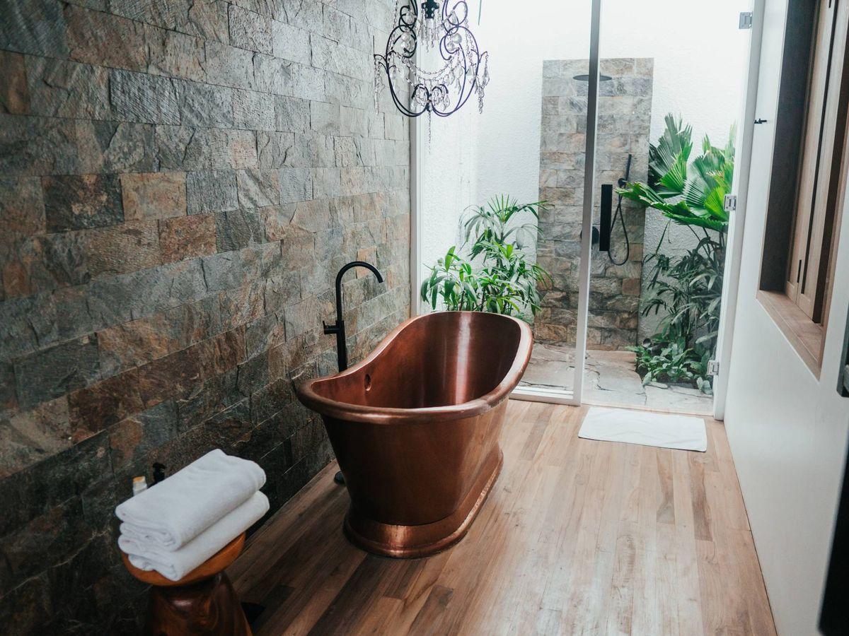 Foto: Alternativas al azulejo tradicional en el baño. (Shawn Ang para Unsplash)