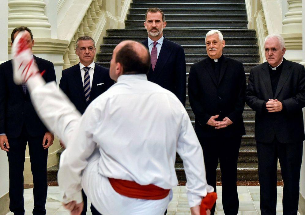 Foto: Urkullu y Felipe VI, el pasado julio en Bilbao con motivo de la inauguración de la Asamblea Mundial de Universidades Jesuitinas en Deusto. (EFE)