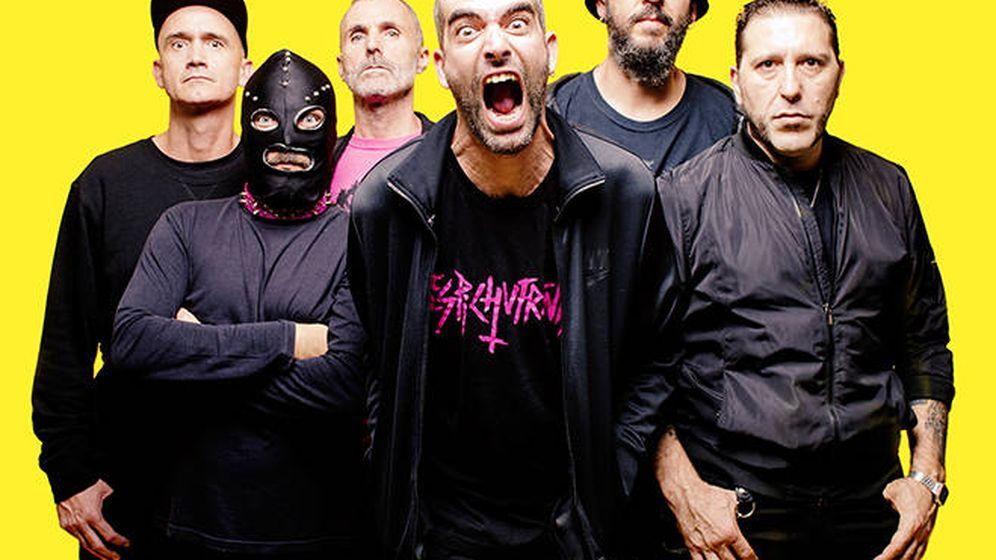 Foto: El grupo Narco, con Vikingo MD en el lateral derecho. (Narco)