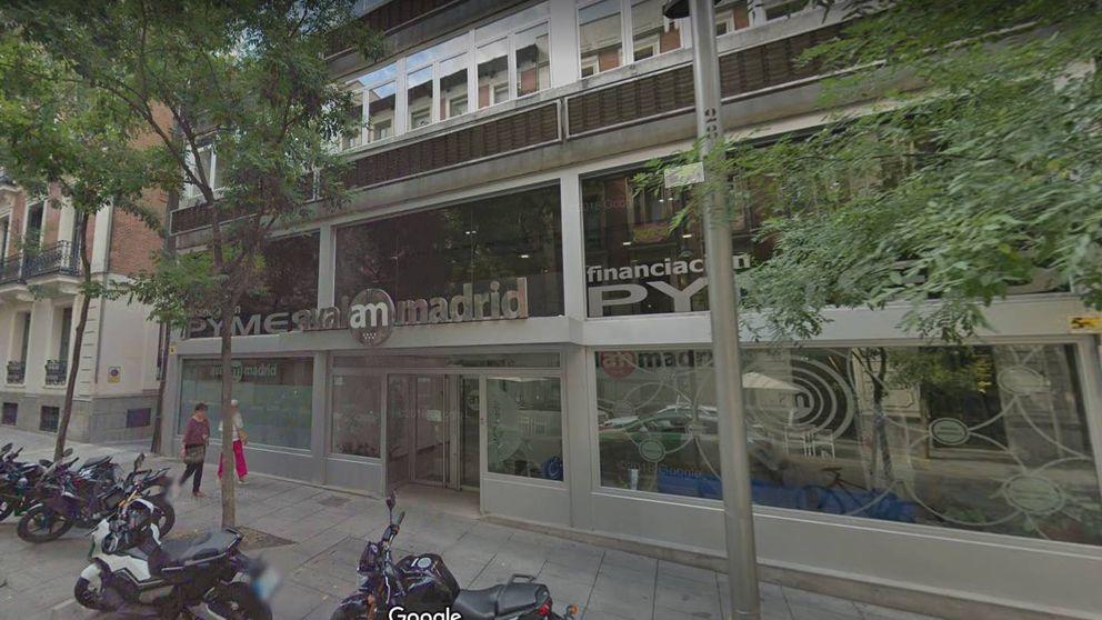 Un 'cobrador del frac' persiguió la deuda del padre de Ayuso, pero no recuperó nada