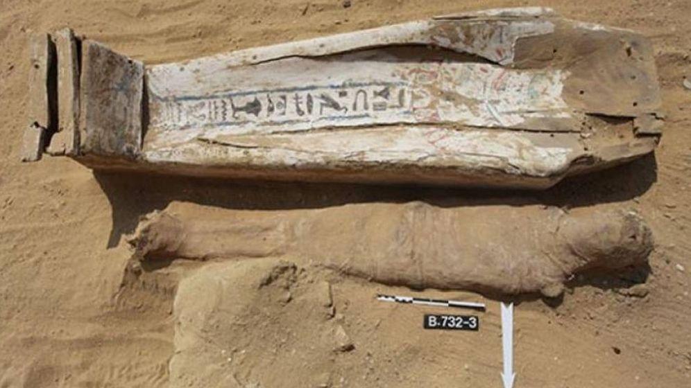 Foto: Uno de los sarcófagos descubiertos en Saqqara. (FOTO: Centro Polaco de Arqueología Mediterránea)