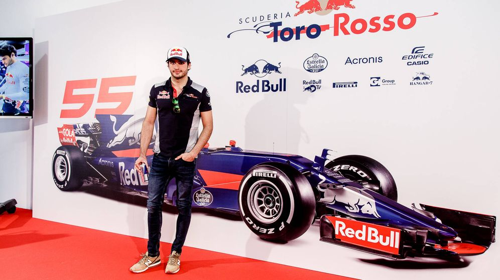 Foto: Carlos Sainz atendió a la prensa antes de viajar a Australia para el comienzo del Mundial de F1. (Foto: Red Bull)