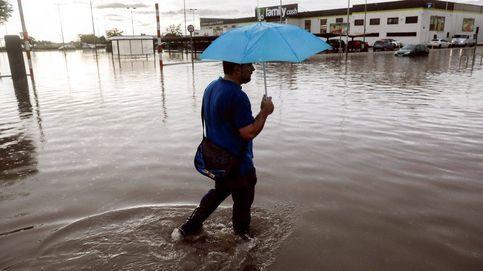 Alerta roja en Valencia por lluvia: una tormenta torrencial deja 210 l/m2
