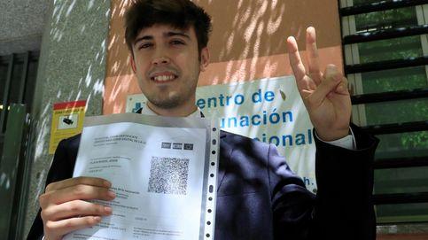 Los españoles se sacan el certificado covid en masa aunque aquí no tenga uso práctico