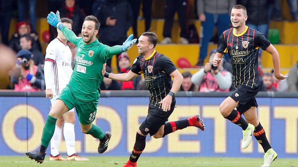 El Benevento suma el primer punto de su historia con un gol de su portero al Milan