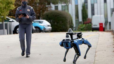 El robot vigilante del campus y CaixaForum presenta 'La próxima mutación': el día en fotos
