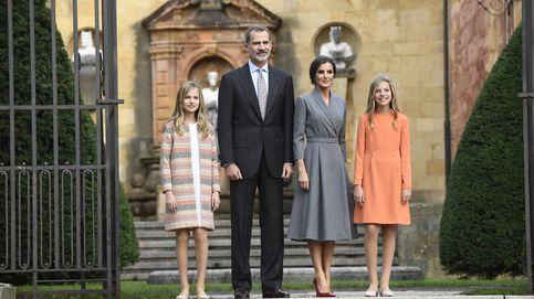 Letizia, más madre que Reina en Oviedo: su estudiado look con mensaje
