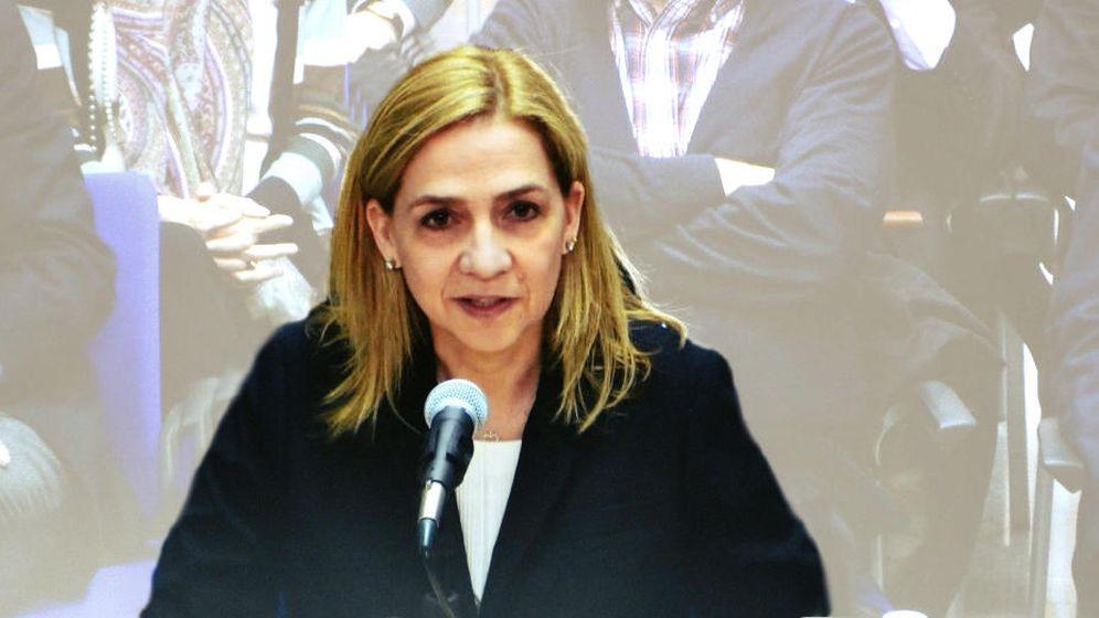 Foto: Imagen de la infanta Cristina a través del monitor de la sala de prensa durante el juicio por el caso Nóos. (EFE)