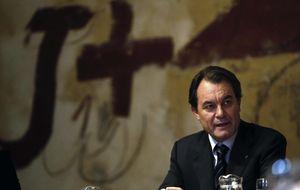 Las peticiones de una salida a Mas reafirman a Rajoy en su firmeza