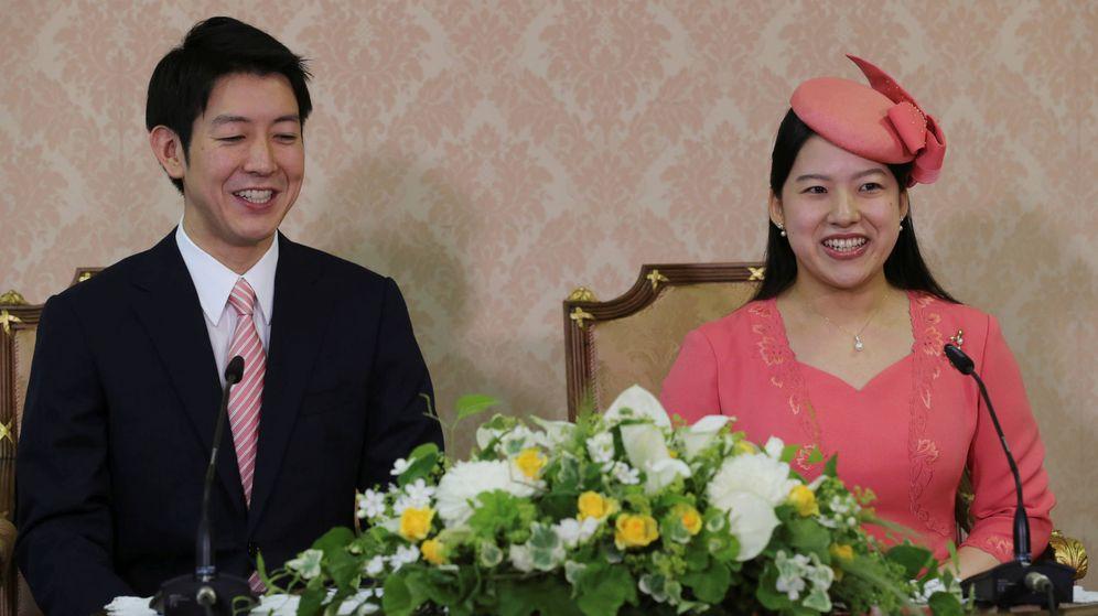 Foto:  Ayako, con su prometido. (Reuters)