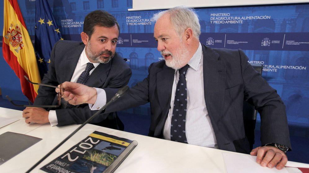 Foto: Federico Ramos y Miguel Arias Cañete, en 2012. (EFE)