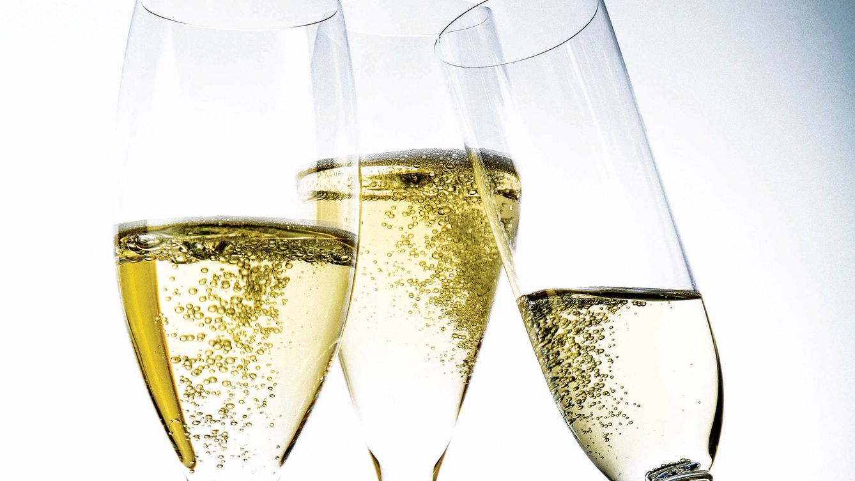 Foto: Brindar con alguno de estos champagnes colorea de lujo la navidad.