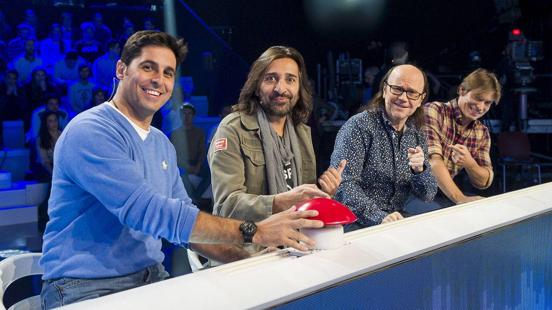 Foto: Fran Rivera con Antonio Carmona, Santiago Segura y Carlos Baute en 'El gran reto musical' (TVE)