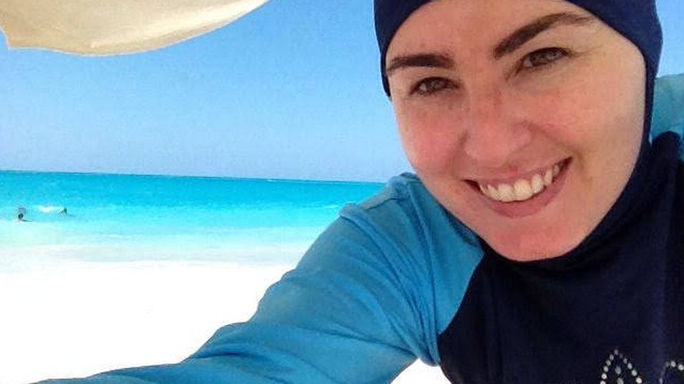 Foto: Amanda Figueras, con su 'burkini' en una playa de Egipto.
