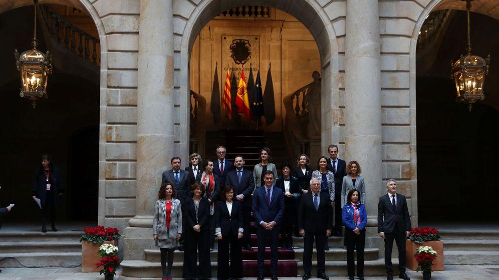 Foto: Foto del Consejo de Ministros que se celebra este viernes en Barcelona. (Reuters)